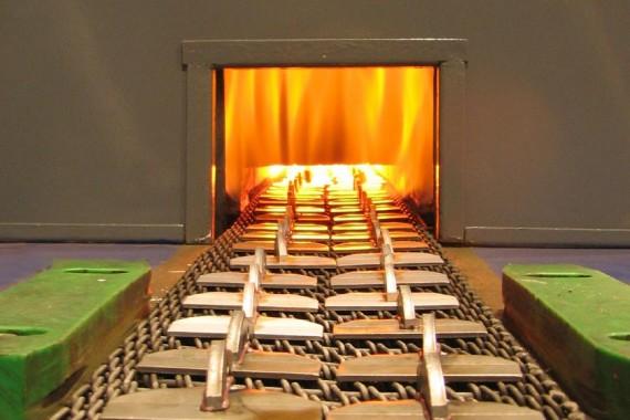 Soldadura fuerte en horno de atmósfera controlada